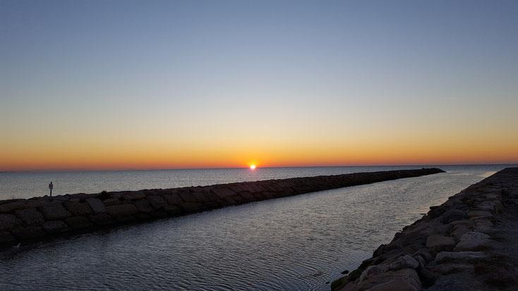 Ein Sonnenaufgang über dem Meer, unser Erster im Sabbatjahr...grandios
