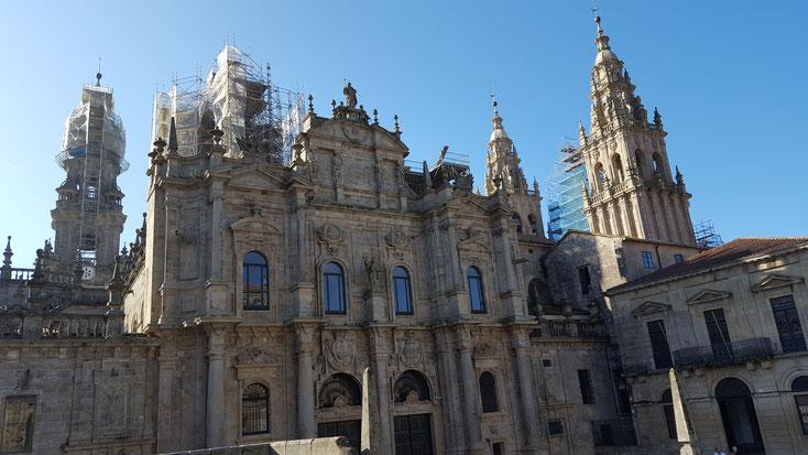 Die Kathedrale von Santiago, eine von angeblich 46 Kirchen dort. Haben wir nicht kontrolliert ;o)