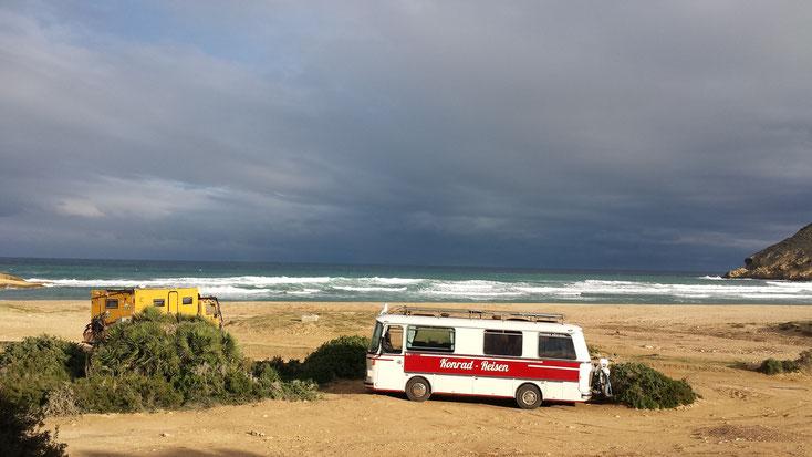 Ein Traum aus Licht, Wellen und Felsen....unser Platz am Cabo de Gata