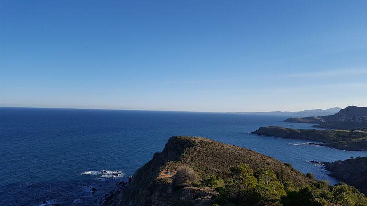 Die letzte Landzunge, dort am Horizont, ist schon Spanien