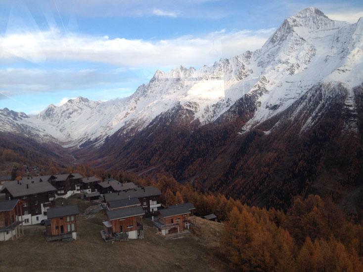 Alpine Village im November, von Gondel aus (Fjäll: Dunkle Häuser unt. Reihe, 2.v.r., hinter 1.v.r. versteckt)