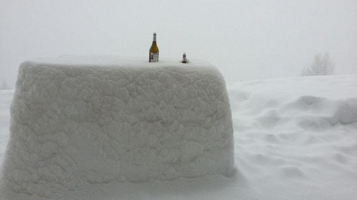 Schneebar (nur im Winter ;-)) auf dem Terrässli - mit Direktzufahrt von der Piste (Kurve nicht verpassen!)