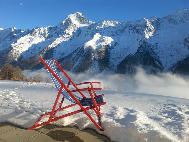 Liegestuhl auf dem Terrässli (mit Bietschhornsicht) - dafür arbeitet man schliesslich die restlichen Wochen...