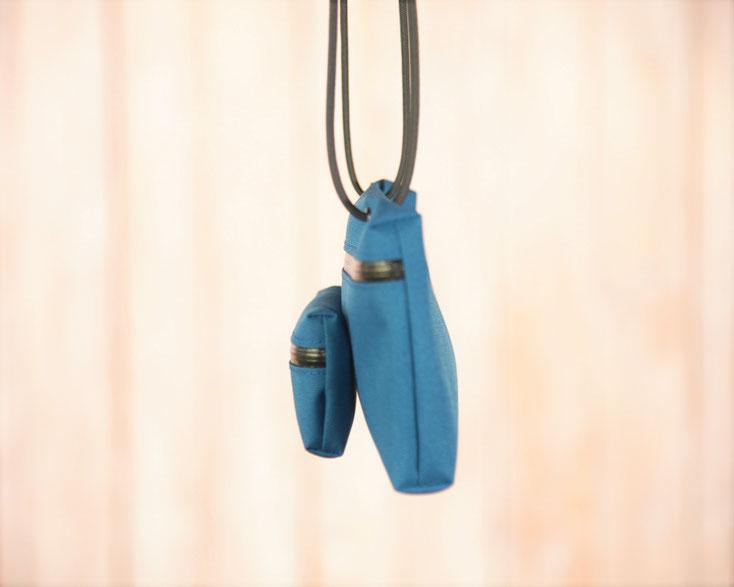 青色 ミニバッグ