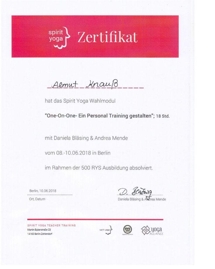 Personal Trainerin Almut Knauß von YogaMio Halle (Saale)