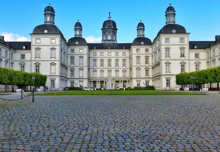 Schloss Bensberg; Wirtschaftsdetektei Bergisch Gladbach, Privatdetektei Bergisch Gladbach