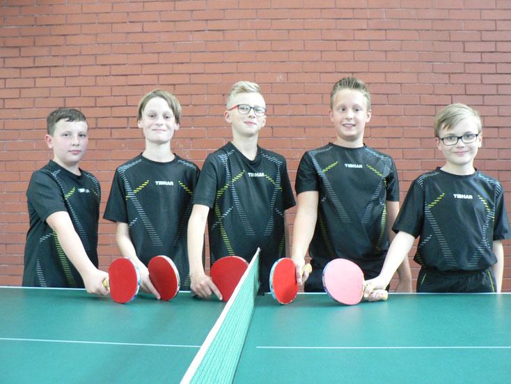 Unsere B-Schülermannschaft von links nach rechts: David Schäfer, Mattis Altmeyer, Lars Hilcher, Jonas Hafner und Alexander Hein