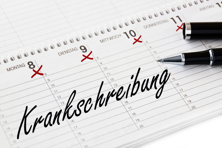 Kalender mit Krankschreibung; Lohnfortzahlungsbetrug, Mitarbeiterüberwachung Saarland