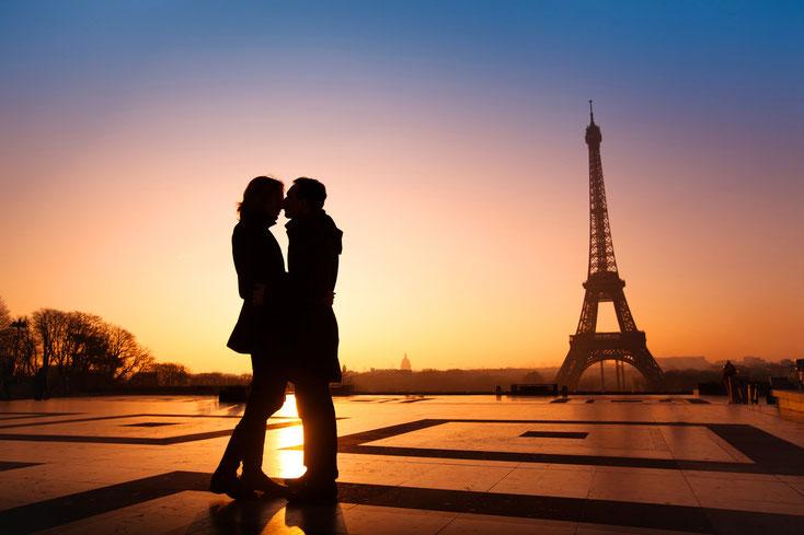 Kuss Eiffelturm; Detektei Paris, Detektiv Paris, Privatdetektiv Paris, Wirtschaftsdetektei Paris