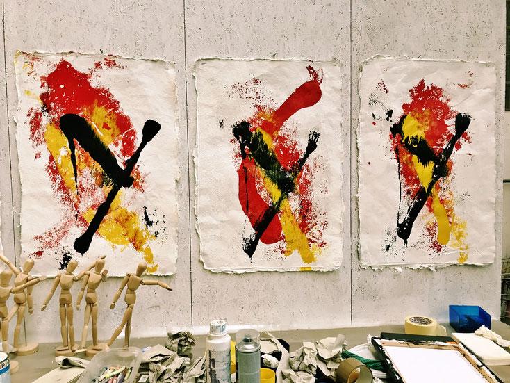 Pedro Meier Asiatische Impressionen, ein Zyklus – Monotypien auf selbst geschöpften Papieren vom Maulbeerbaum (Rinde), Visarte Solothurn Künstlerhaus S11 – »ist Kunst eine Baustelle«. Einführung Martin Rohde. Pedro Meier Multimedia Artist, SIKART Zürich