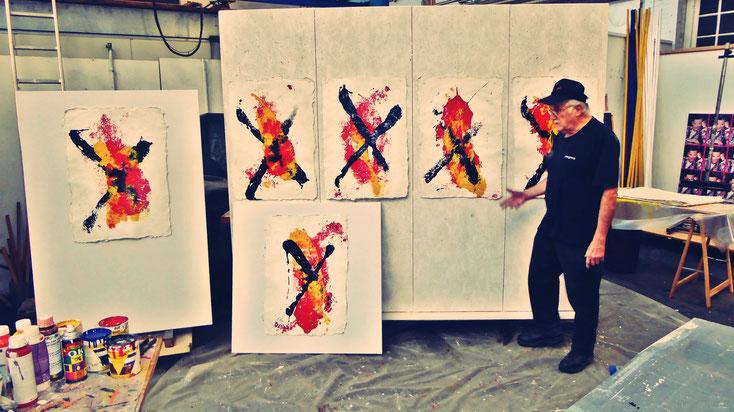 Pedro Meier – Künstlerhaus S11 Solothurn – Asiatische Impressionen, ein Zyklus – Monotypien auf selbst geschöpften Papieren aus der Rinde vom Maulbeerbaum – »ist Kunst eine Baustelle?« Visarte Solothurn, Einführung Martin Rohde. Atelier Kunsthalle Olten