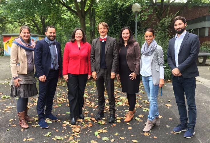 von links: Anna Lea Leßmann (Fellow), Ulf Matysiak (Geschäftsführer TeachFirst), Bundesarbeitsministerin Andrea Nahles, Prof. Dr. Karl Lauterbach, Verena Wagner (TeachFirst), Mareen Lethaus (Schulleitung), David Körner (erw. Schulleitung)