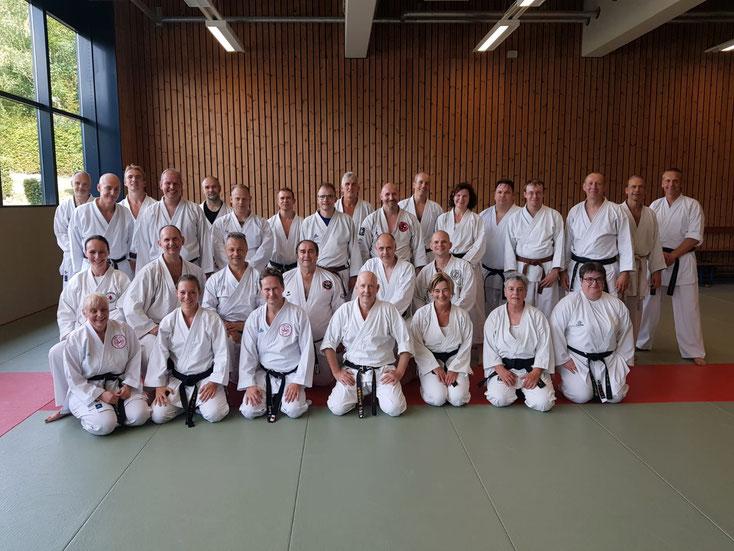 Friederike Zeifang und Carsten Zeifang nach der Ausbildung zum Selbstverteidigungslehrer in der Sportschule Hennef