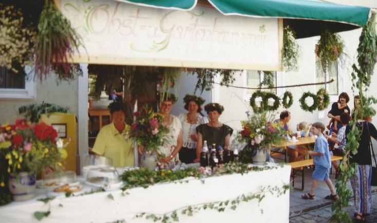 Verkaufsstand am historischen Bürgerfest - Marktgeschehen am Samstag
