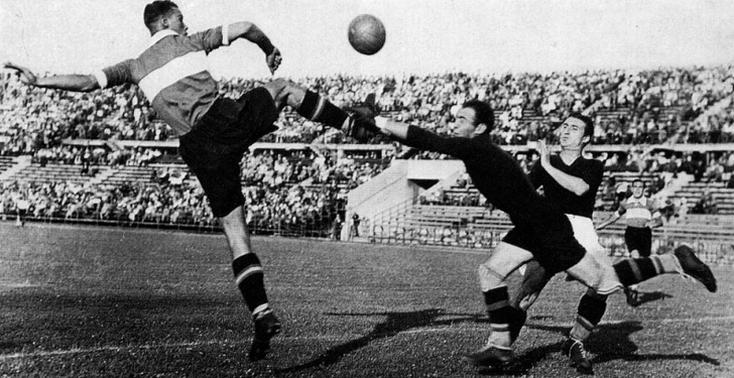"""Bimbo"" Binder lors de la Mitropa Cup en 1934."