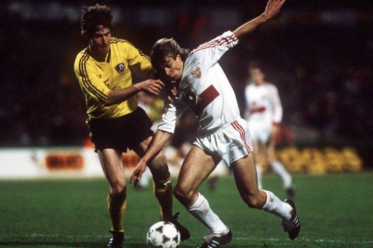 Opposé à Jürgen Klinsmann et au VfB Stuttgart en Coupe de l'UEFA