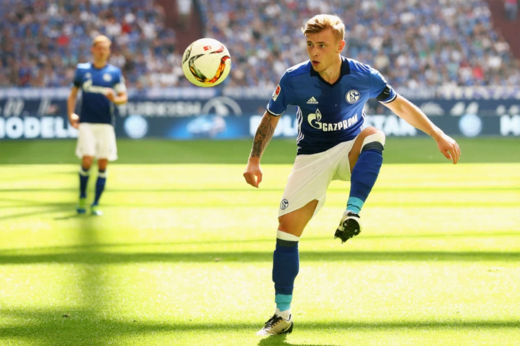 Max Meyer sous les couleurs de Schalke 04, son club formateur.