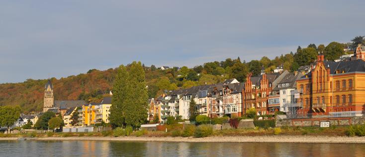 Bild: Blick auf Koblenz-Pfaffendorf mit der Ferienwohnung RheinBlick 590