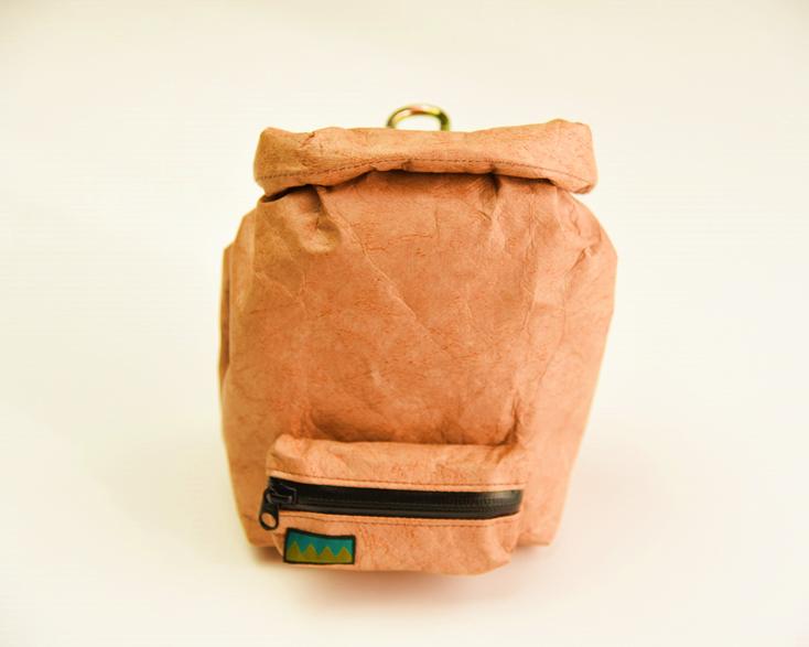 タイベックのスタッフバッグ