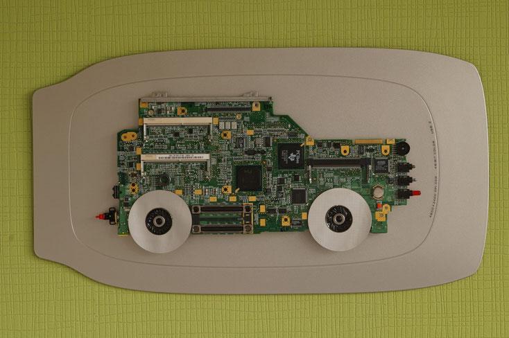 Geländewagen als Collage, Computer-Bild, Bild aus Computerschrott