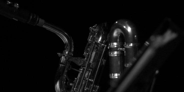 mundstück von bariton saxophon und baß querflöte