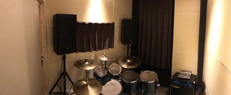 ドラムレッスン室