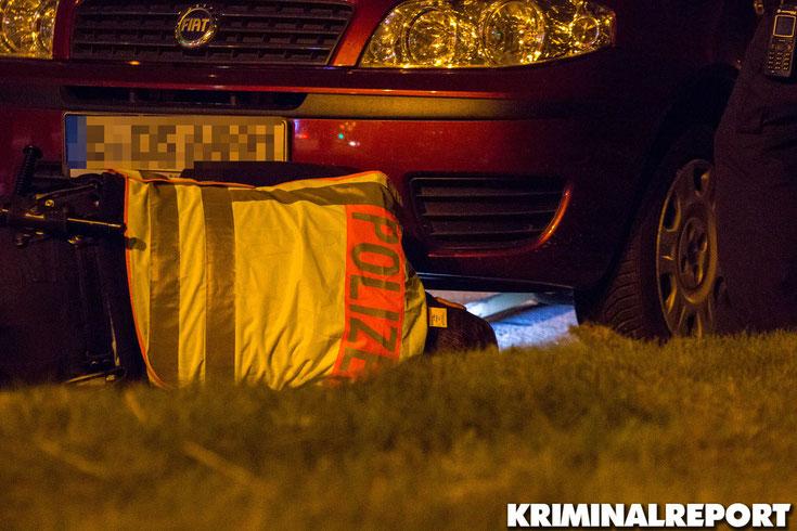 Dieser Fiat polterte mit einer defekten Abgasanlage in die Kontrollstelle.|Foto: Christopher Sebastian Harms