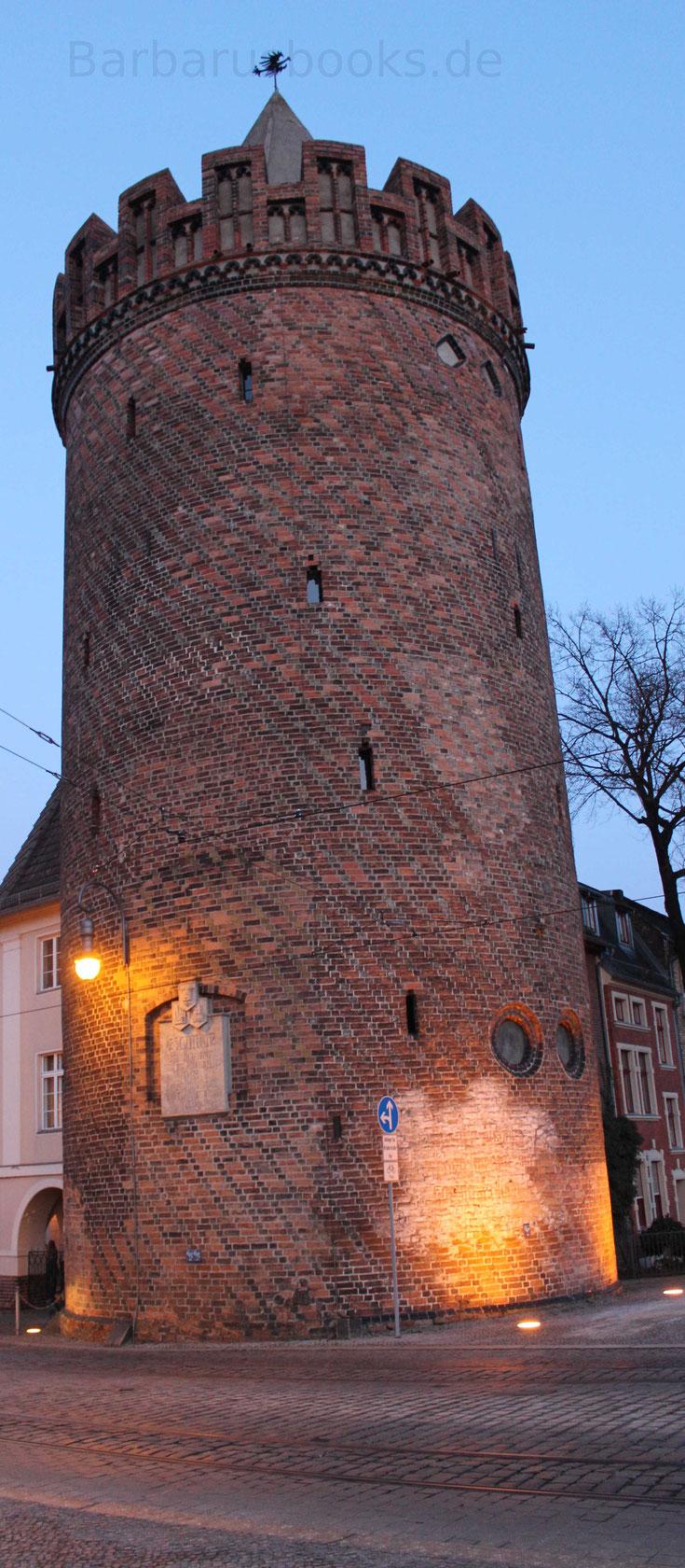 Der Steintorturm diente als Gefängnis und gehörte zur mittelalterlichen Wehranlage der Stadt