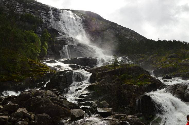 Wasserfall Langfoss Norwegen