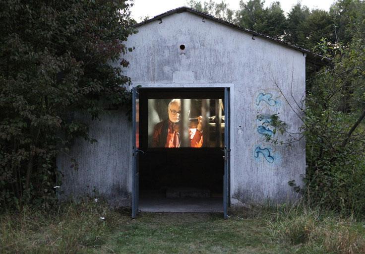 der Geiger, Video, 16 min., Autor & Regie: Cornelia Rößler, Kamera: Sascha Bremus, Musik: Dieter Rößler Militärbunker, Montabaur 2012, Regensburg 2014, Kunstverein Linz a. R. 2017
