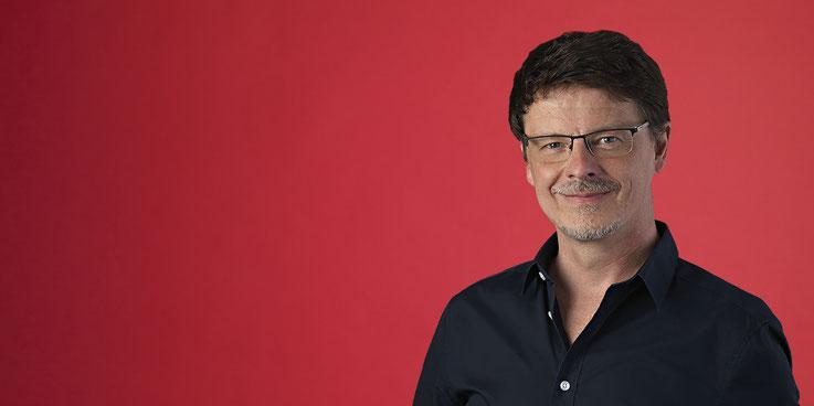 Peter Glassen, Markenberater, Semiotiker, Dozent, Medienwissenschaftler, Schaugewerbegestalter, Marken, Bilder, Mythen, Gründer von SEMIOTICS