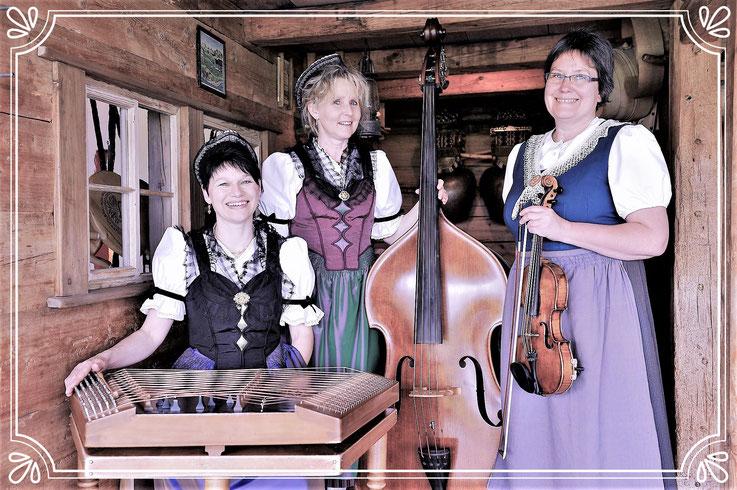 Appezeller Frauestriichmusig , Trio , Volksmusik , Streichmusik , Brigitte Meier , Elisabeth Hasler , Ruth Fanderl