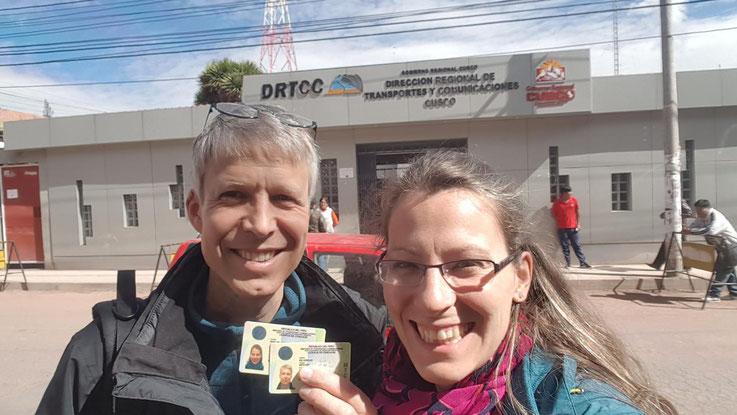 Sonja und Werner Keßler haben den Führerschein für Peru. In Curahuasi um bei Diospi Suyana zu arbeiten.