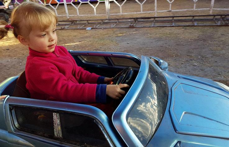 Kleine Maus fährt Auto Überholmanöver Peru Cabriolet Cusco