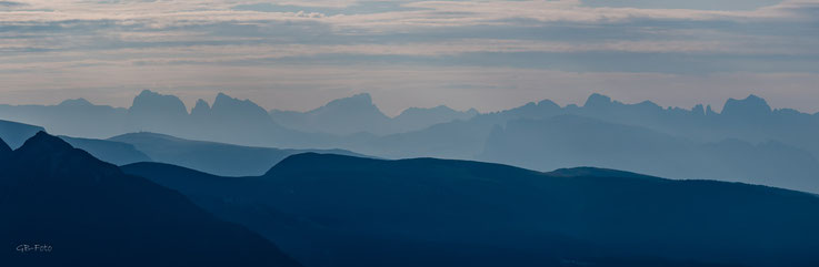 Blick von den Spronserseen in die Dolomiten