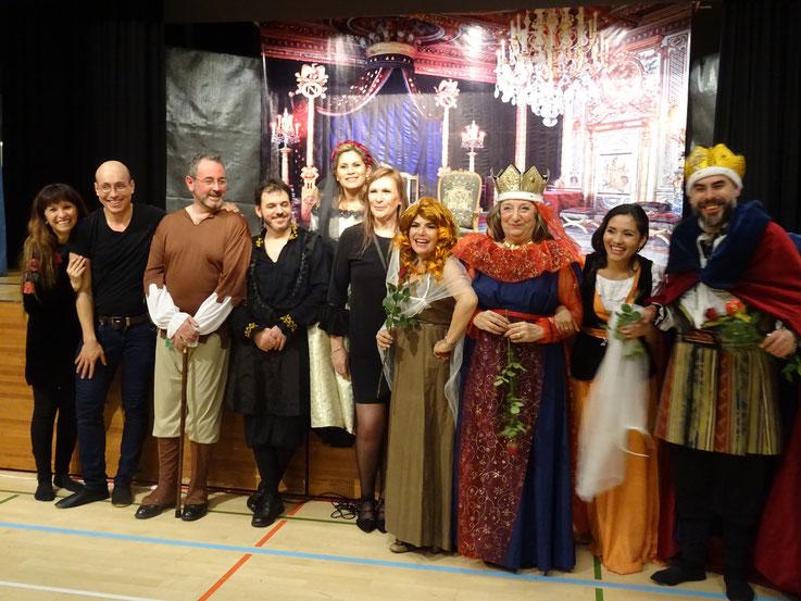 Das Sopita-Theaterensemble freut sich über den gelungenen Auftritt.