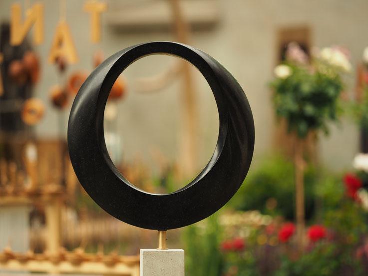 Kalkstein Skuptur / Andreas Lindegger / Mannenbach / Bildhauerwerkstatt / Schweizer Kunst / Bildhauer Thurgau / Skulptur