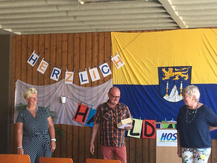 Bild von links: Lehrerin Cordula Firnstein-Damm, Religionspädagoge Harald Mack und Lehrerin Elke Lesch