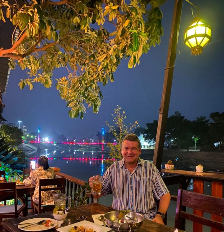 Der Autor, März 2020, Riverside Restaurant, Lampang