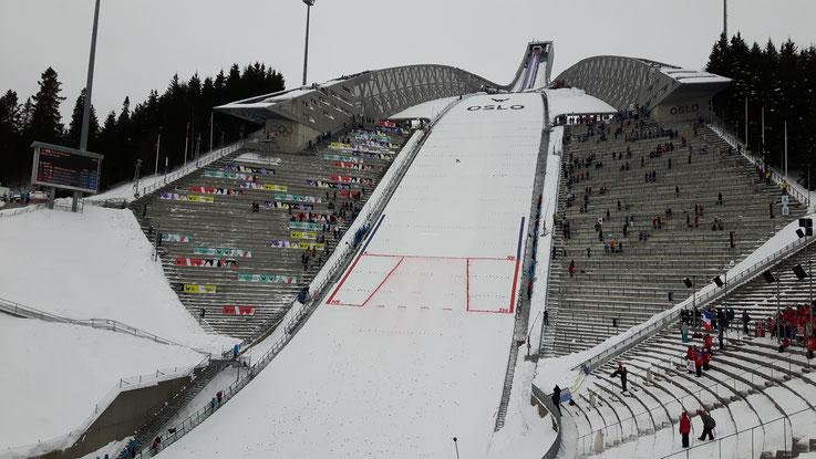 Die Skisprungschanze am Holmenkollen in Oslo