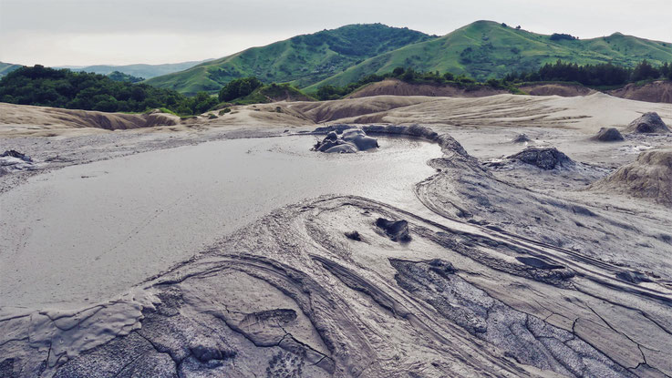 volcan boue bigousteppes roumanie