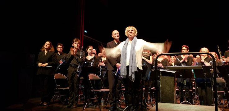 La compositrice Chrystel Marchand avec l'Orchestre au THV