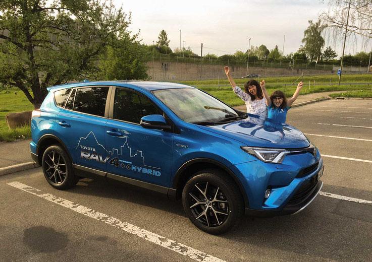 Der neue Toyota RAV4 auf dem Forchparkplatz
