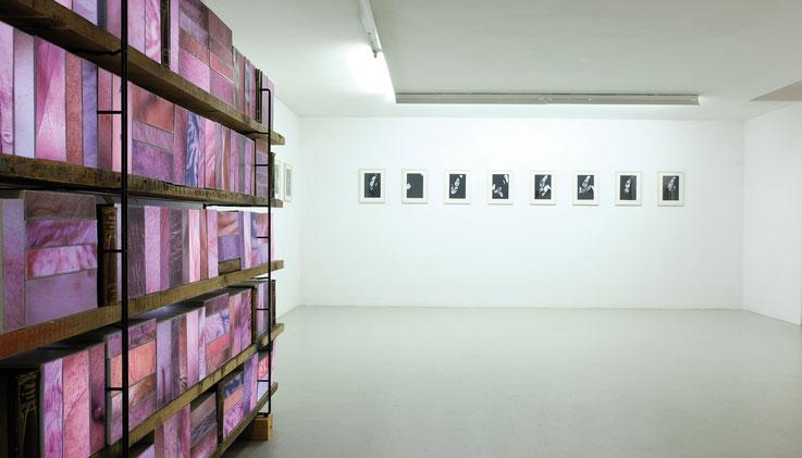 o. T. 15 Portraits, C-Prints, Fotokarton: Formen zeigen die ethnischen Gruppen der jeweiligen Person (myheritage), 20 . 30 cm, 2019 Galerie Hafemann, Wiesbaden 2019