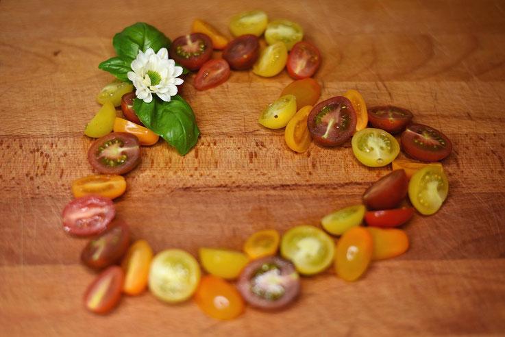 Lea Wigman Ernährungsberatung Ernährungstherapie Issum Kochkurse abnehmen Tomaten Herzform