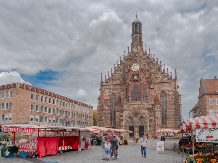 Die Frauenkirche am Hauptmarkt