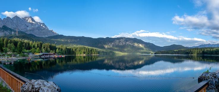 Morgendlicher Ausblick auf den See