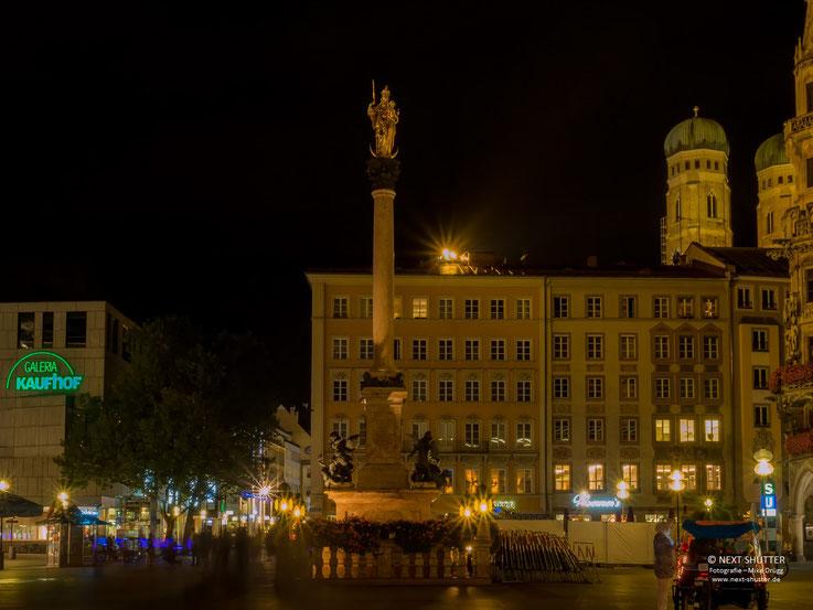 Mariensäule auf dem Marienplatz, Nacht