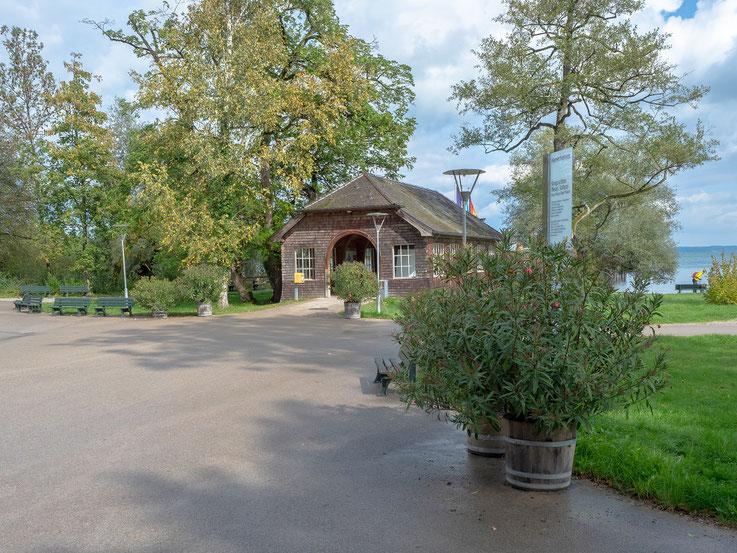 Die Anlegestelle der Chiemsseschiffahrt auf der Herreninsel.
