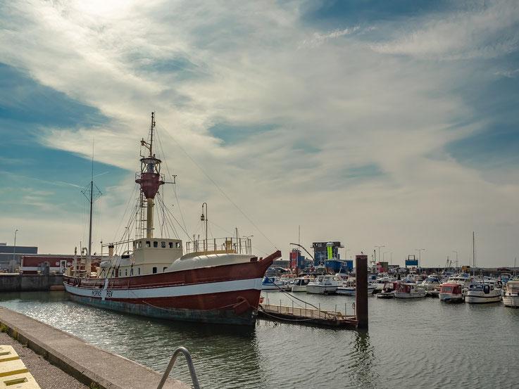 Eines der Feuerschiffe die früher die Hafenenfahrt nach Esbjerg markierten - heute ein Museumsschiff.